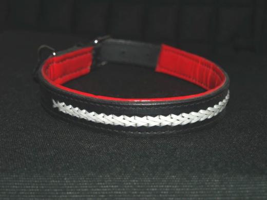 Leder Halsband Zierstich Weiß / innnen ROT  50 - 55 cm
